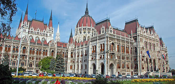 best budapest travel guide book